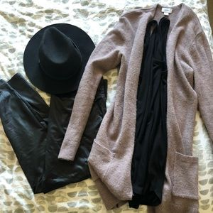 Incredibly soft Old Navy mid length cardigan